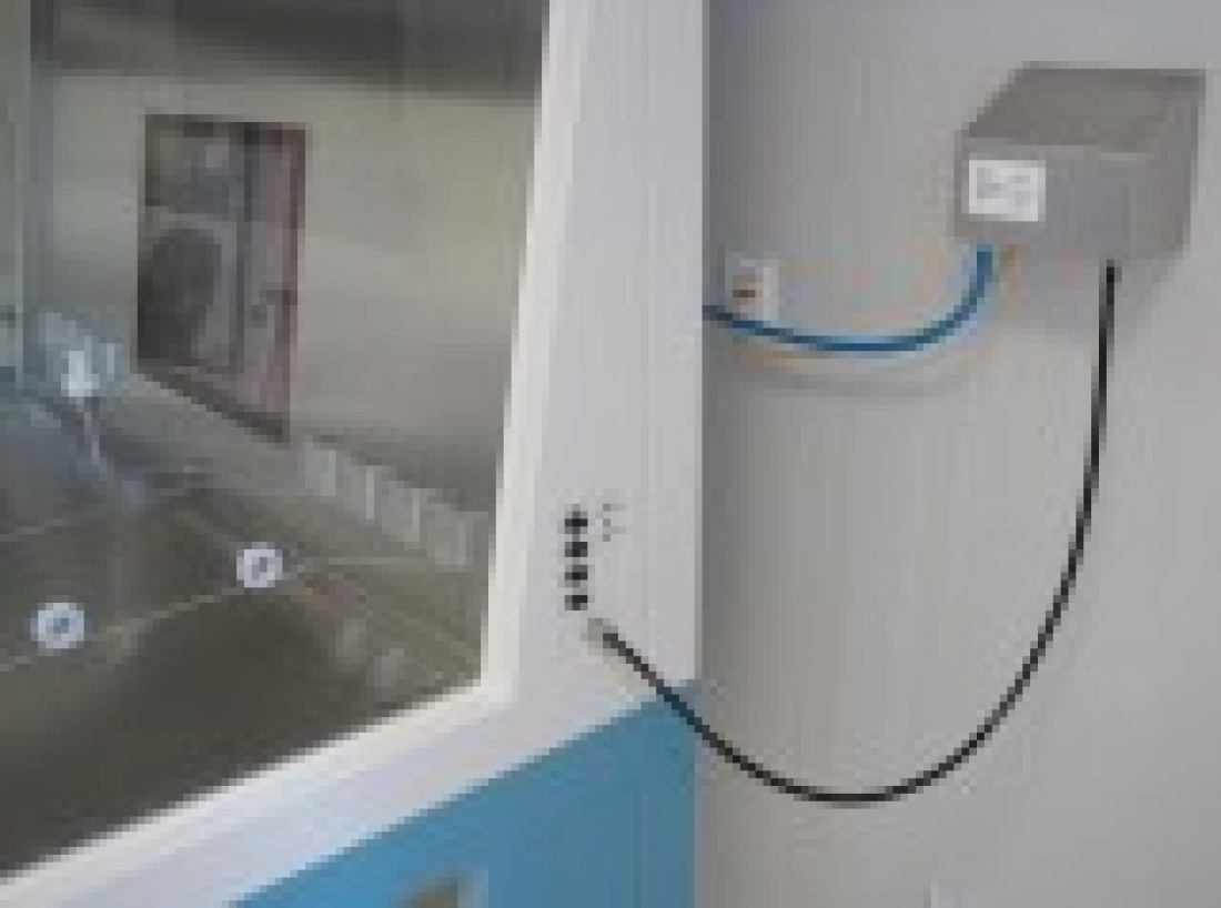 Particle counter at biological safety cabinet